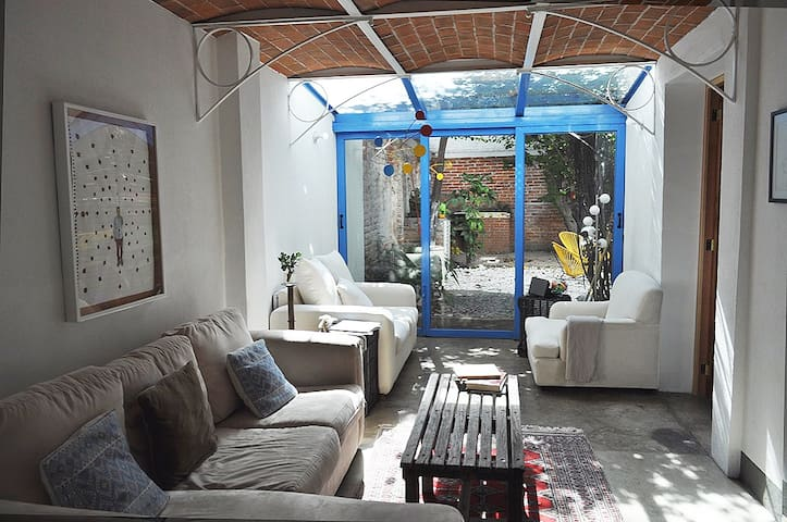 Great location apt with a relax garden. - Mexico City - Apartment