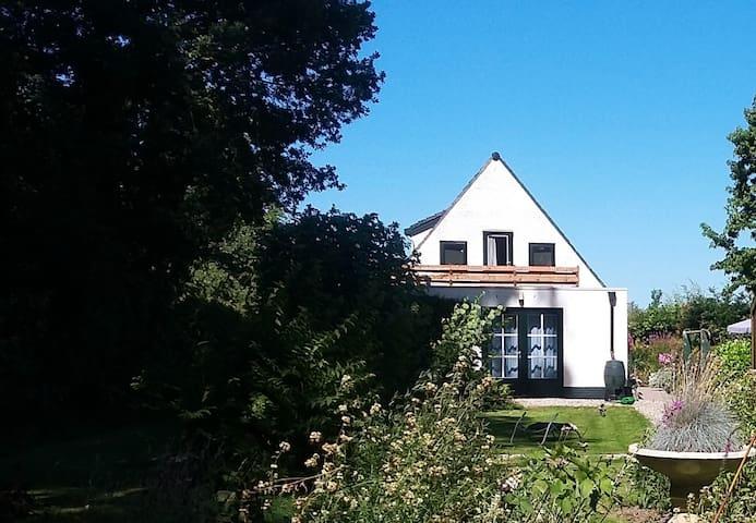 Zonnig appartement Maasbommel
