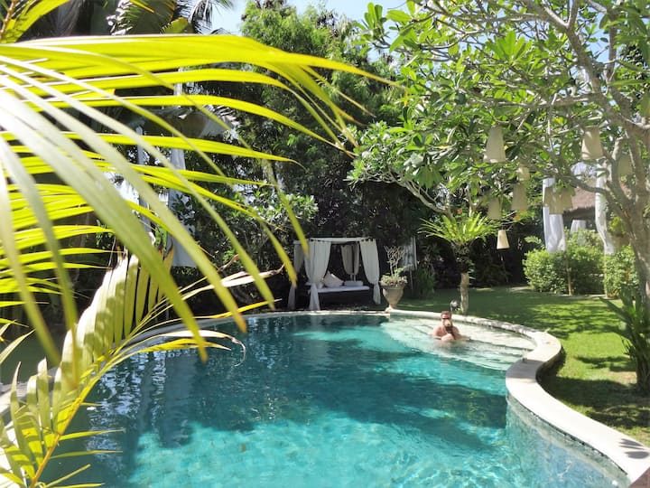 Villa MATHIS -Boutique Hotel- large Garden -4pools