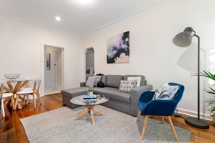 The Ascot | Melbourne 2BR home, close to CBD