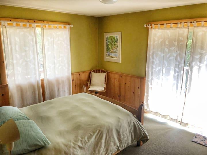 Sunset- queen bedroom or 2 twin beds bedroom