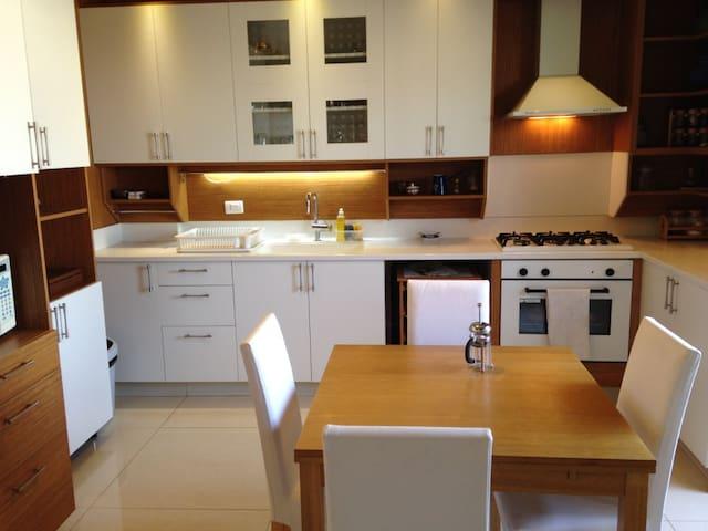 Modern & Newly renovated 3 bedroom Apt Jdeideh