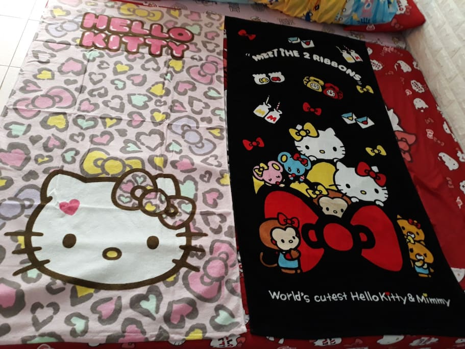 Hello Kitty towels for your bath