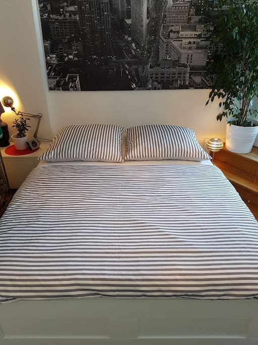comfortable double bed (160x200)