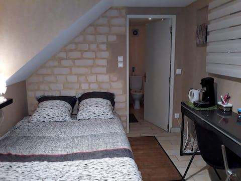 chambre privée à Bréal, avec entrée indépendante