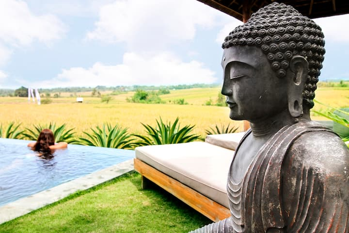 Rice fields and the Ocean view Private pool Villa