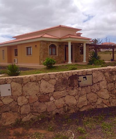 3 bed private villa with 6x12 pool - Triquivajate  - Villa