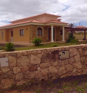 3 bed private villa with 6x12 pool - Triquivajate  - Huvila