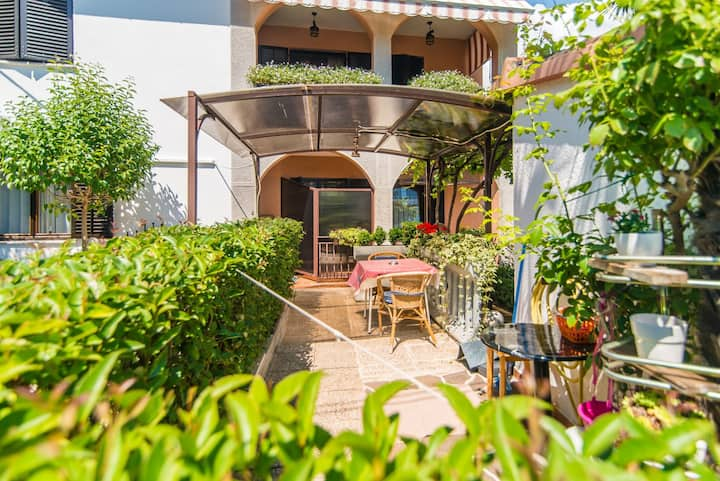 Apartment Complex Vilma Funtana / Apartment with Balcony Vilma V