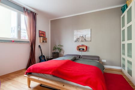 Bright, modern Apartment with charm - München - Wohnung