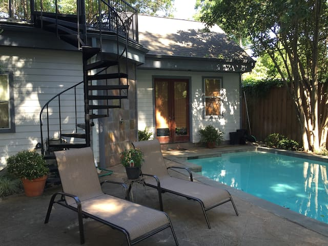 M Streets Cottage just off trendy Greenville Ave - Dallas - Bungalo