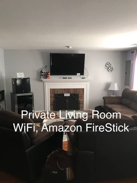 Private Apartment ~ 4 Room Walk Out Basement