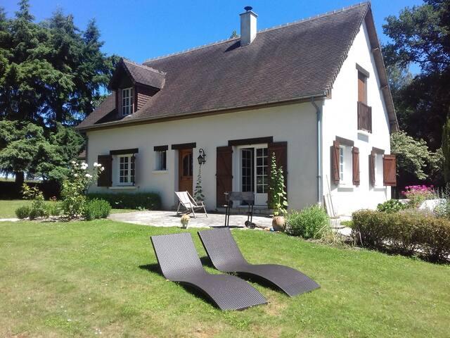 Maison avec balnéo/billard