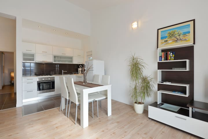 Spacious apartment for 2 on Pag island - Kolan, island of Pag - Wohnung