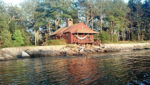 Private oceanside solar cottage