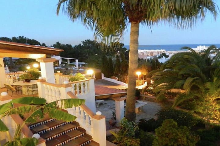 Luxurious villa on the highest mountain of Santa Eularia, with a fantastic view