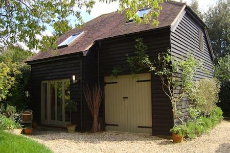 Charming Barn style B&B Winchester - Twyford