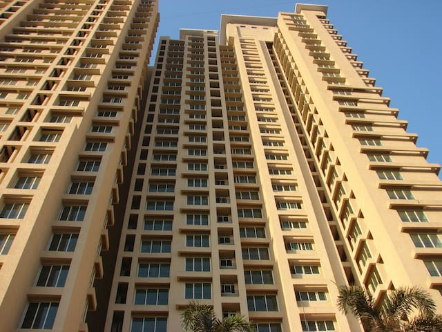 Spacious 2 bedroom appt in Thane - Thane - Apartamento