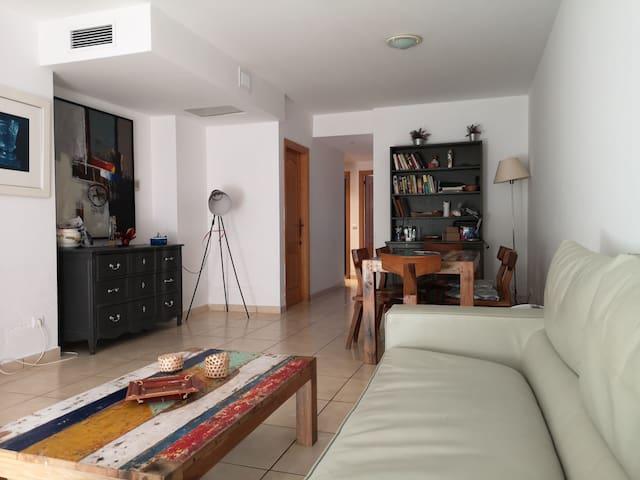 2 habitaciones en precioso apartamento con terraza