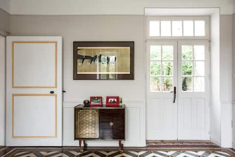 Chambre avec balcon dans une belle villa landaise
