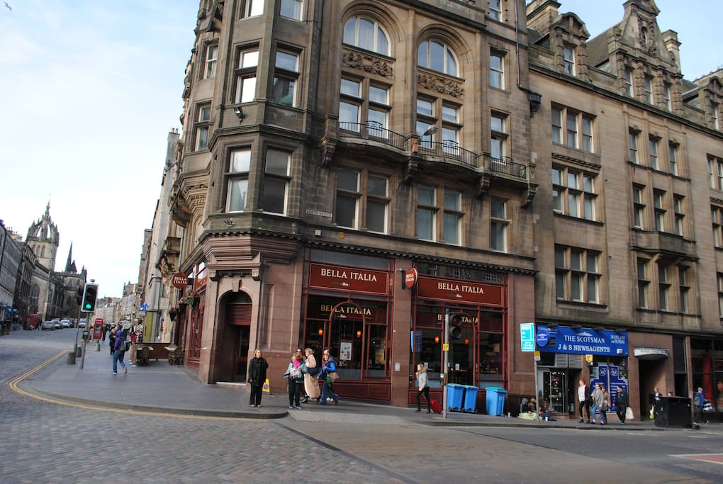 Spacious Royal Mile apartment - Apartments for Rent in ...