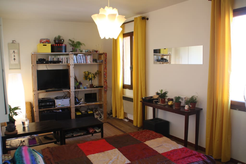 430ft within walls 2x2 p wohnungen zur miete in avignon provence alpes c te d 39 azur frankreich. Black Bedroom Furniture Sets. Home Design Ideas