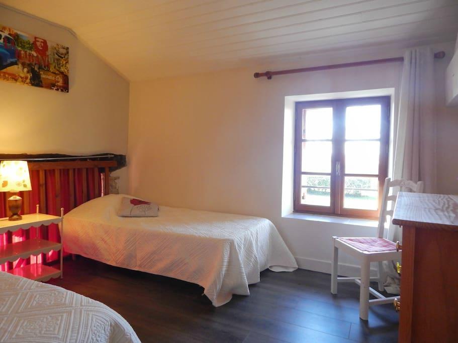 La Chambre 2 avec 2 lits 90