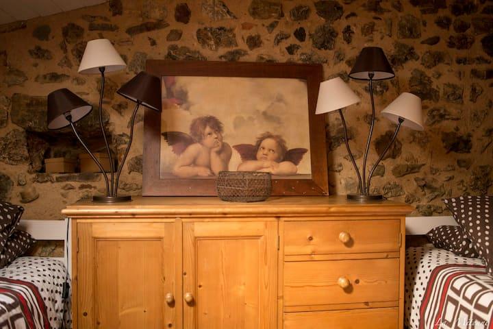 Maison cosy au pied du château de Villerouge 1