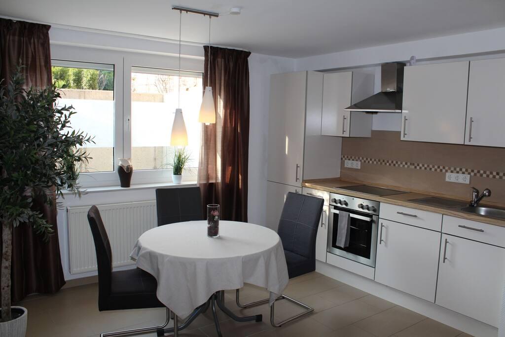 top 2 zimmer wohnung 40 qm wohnungen zur miete in castrop rauxel nordrhein westfalen. Black Bedroom Furniture Sets. Home Design Ideas