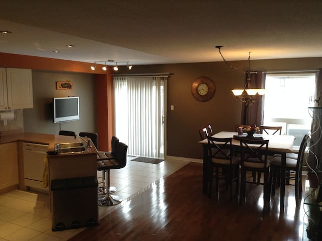 Beautiful Home, Great Location! - Vaughan