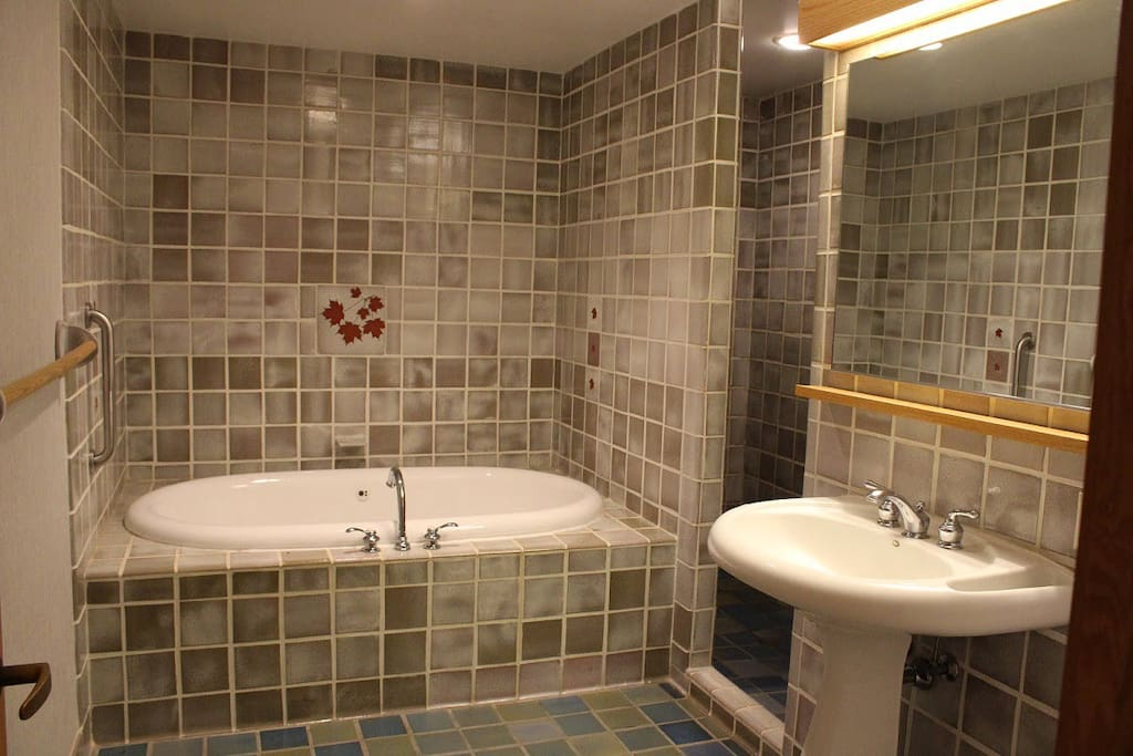 Each guest room has a large whirlpool bathtub and separate shower.