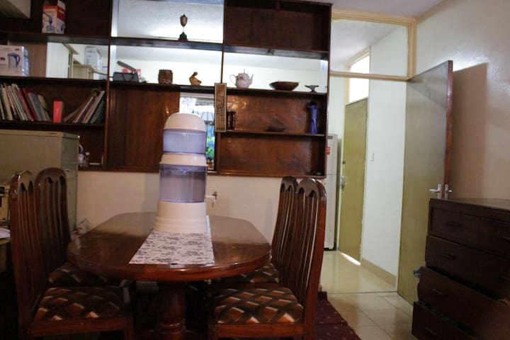 WILSON AIRPORTVIEW HOMESTAY
