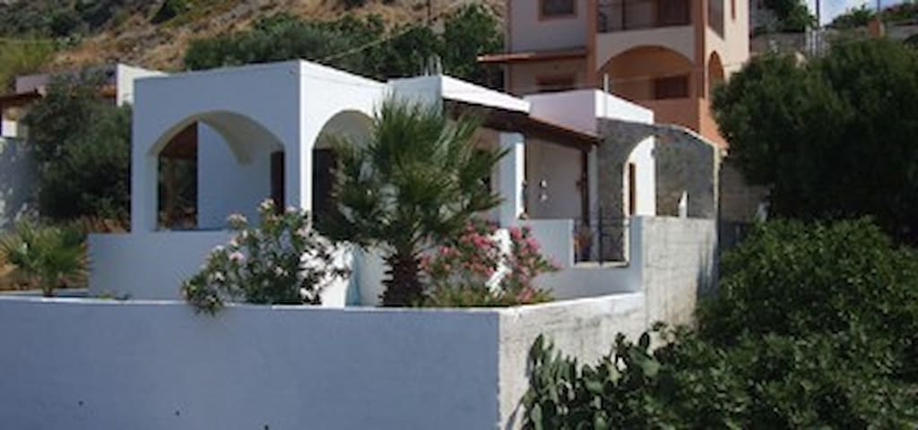2 bedroomed house at Plati Gialos - Panormos - Hus