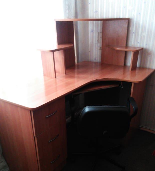 компьютерный стол, компьютерный стул