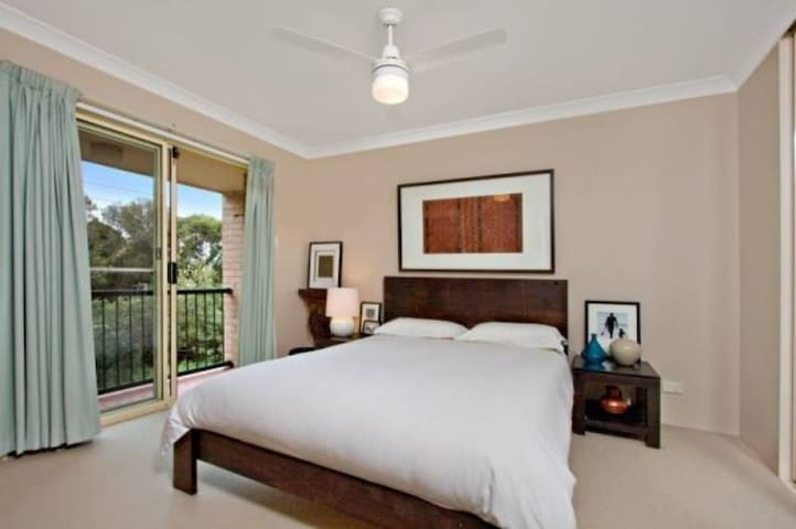 Kirra Queen size room, Ocean BREEZE
