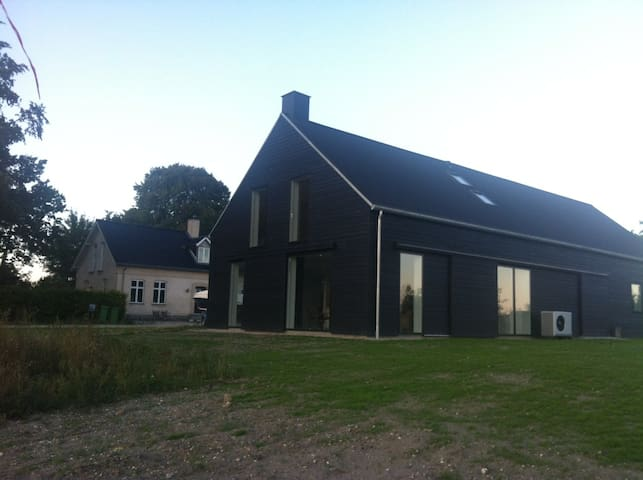 Modern+cosy apt close to Cph - Roskilde - Apartment
