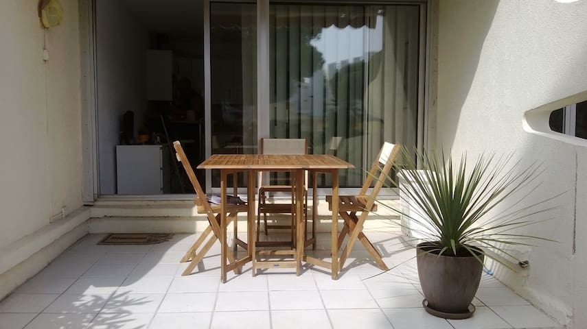 studio cabine +terrasse+parking