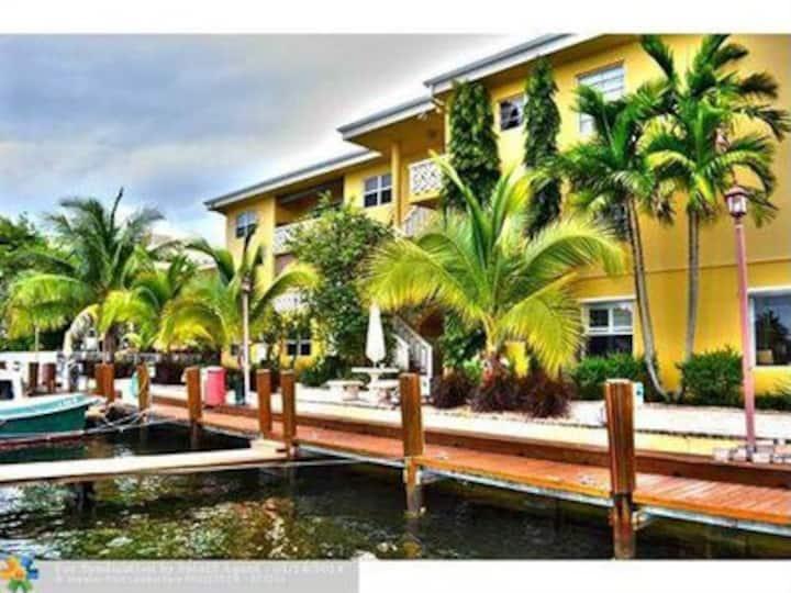 Mermaid's Mirage, condo, great location & views