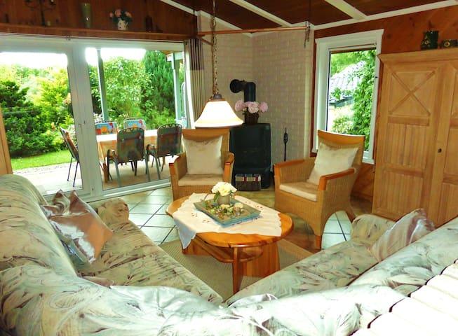 Schönes Holzhaus im Extertal - Extertal - House