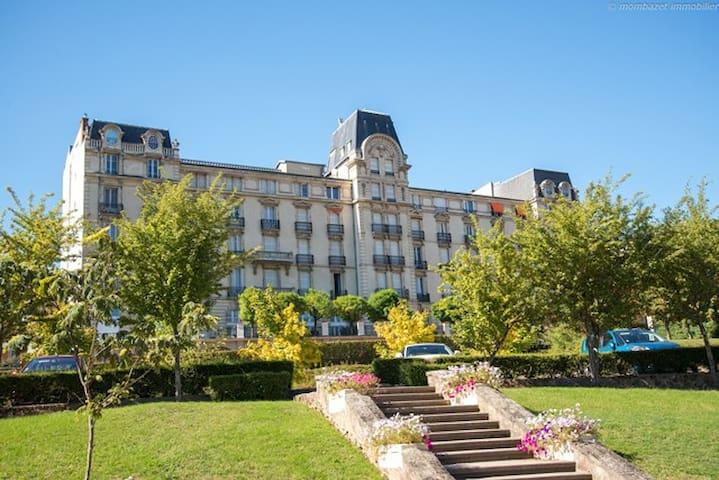 F1 meublé nuit/semaine/mois/cures - Châtel-Guyon - Apartamento
