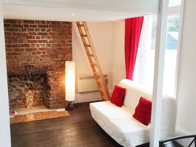 Central Boutique Studio - Sleeps 4 - Brighton