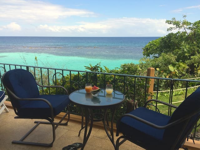 1 BR with panoramic Caribbean view - Ocho Rios - Lejlighed