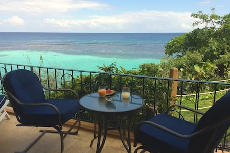 1 BR with panoramic Caribbean view - Ocho Rios