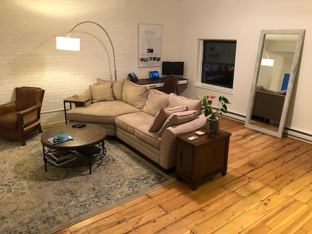 Large 1 Bedroom in the Heart of New York City
