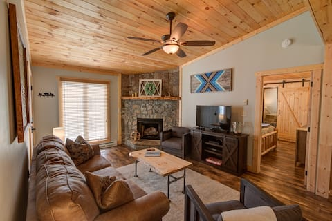 The Blue Ridge Bungalow in Downtown Blowing Rock