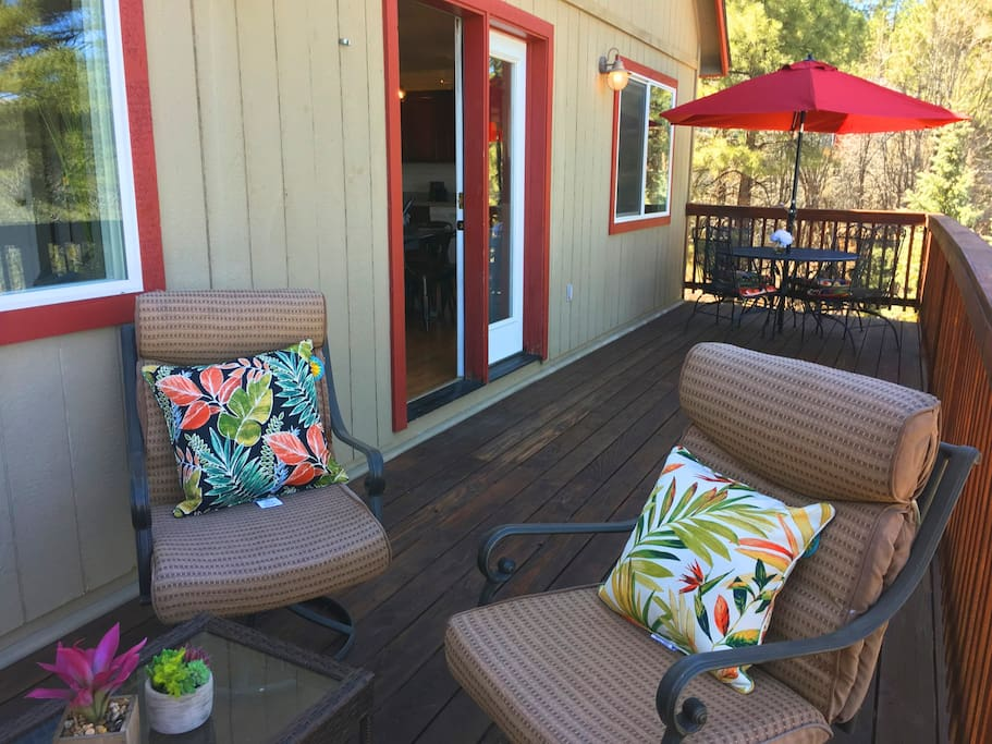 The deck has dining and lounge area.