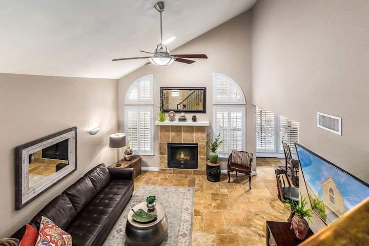 Beautiful Summerlin home (The Lakes)