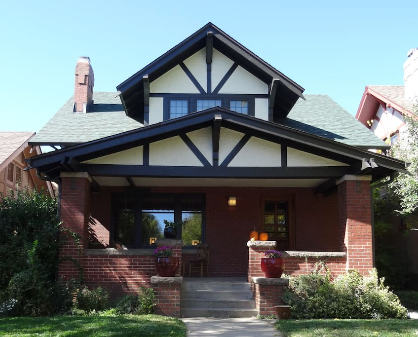 Arts & Crafts Bungalow in 7th Avenue Historic District