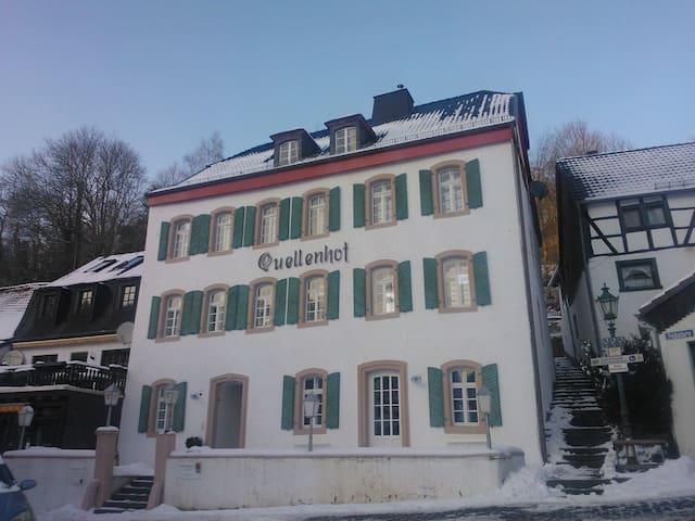 Familienferien im Denkmal - Blankenheim - House