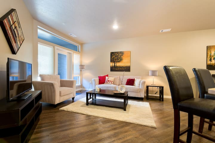 BRAND NEW - One Bedroom close to DOWNTOWN